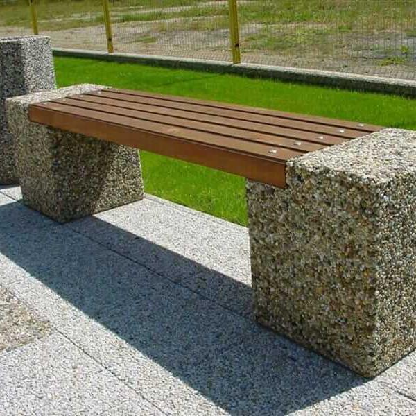 Parkové lavičky (betonové s dřevem)